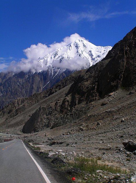 Masyw Kongur z Karakoram High Way
