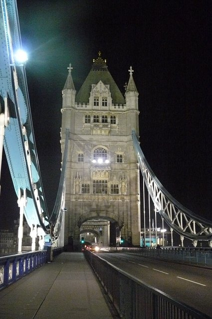 Tower Bridge noca